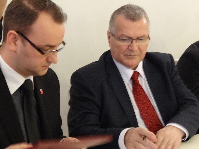 Potrzebny jest partner, a tym partnerem będzie PO - uzasadnił Kamil Szadkowski. - Czas podjąć rekawicę na następne cztery lata - powiedział Paweł Piechocki. - 176864_dsc07639