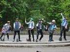 Hultaje na hulajnogach wjechali do parku Chopina