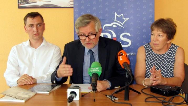Ofensywa polityków PiS po konwencji programowej partii