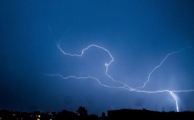 Biuro Prognoz ostrzega przed gwałtownymi burzami z gradem