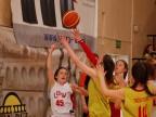 Młode koszykarki zmierzyły się z drużynami z całej Polski