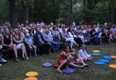 Park ojców i dzieci. Specjalny koncert na trawie i wśród drzew