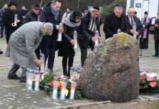 Upamiętnili 75. rocznicę pierwszego transportu do obozu zagłady