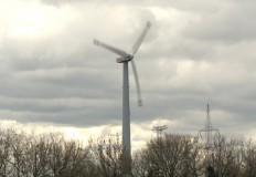 Szalejąca elektrownia wiat ...
