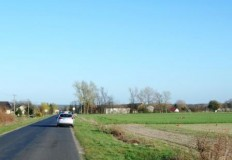 Śmiertelny wypadek motocyklisty na prostej drodze