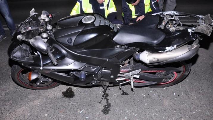 Lekarze wciąż walczą o życie 23-letniego motocyklisty