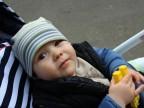 Od juniora do seniora. Rodzinne piknikowanie w miejskim parku