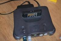 Sprzedam Nintendo 64 dowolny zestaw.
