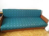 Fotel, 3 wersalki, Płyty betonowe, Doniczki, Drzwi wewnętrzn