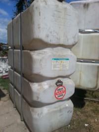 Dwa zbiorniki na olej opałowy 2200l