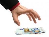 - Ubezpieczyciel potrąciL 80% środków za likwidację polisy