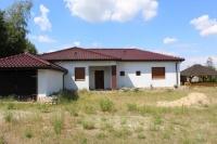 Dom z dużą działką w Karsach.