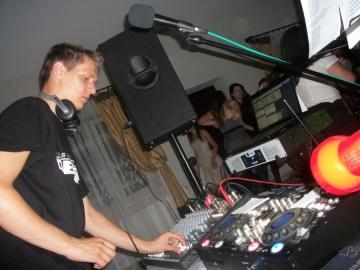 DJ Darius