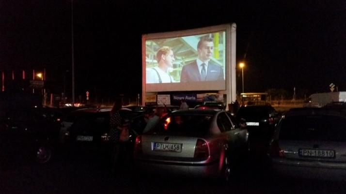 Dwa filmy i mnóstwo aut. Pierwsze kino samochodowe