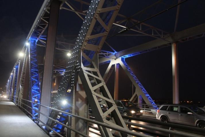 Niebieski most żelazny i COP na Europejski Tydzień Autyzmu