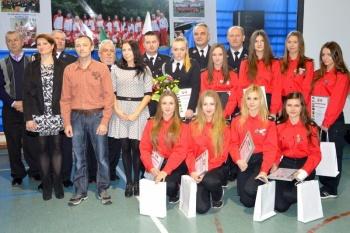Premier Waldemar Pawlak na jubileuszu młodych strażaków gm. Kawęczyn