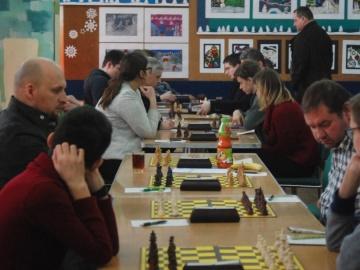 Dobre rundy konińskich szachistów, pokonali Poznań