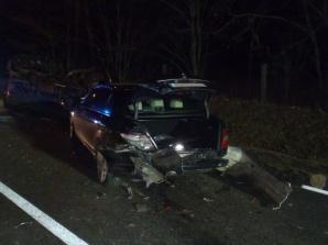Osobówka zderzyła się z autem dostawczym i ciągnikiem