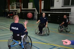 Policjanci rozegrają mecz z koszykarzami na wózkach inwalidzkich