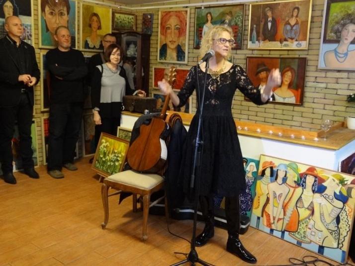 """Wernisaż malarstwa. Kobiety z """"Kartoteki"""" Krystyny Ruminkiewicz"""