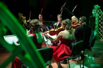 Kulturalne piątki - koncert Ad Libitum i film