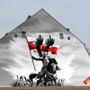 Konin. Na ścianie ZS CKU powstaje historyczny mural