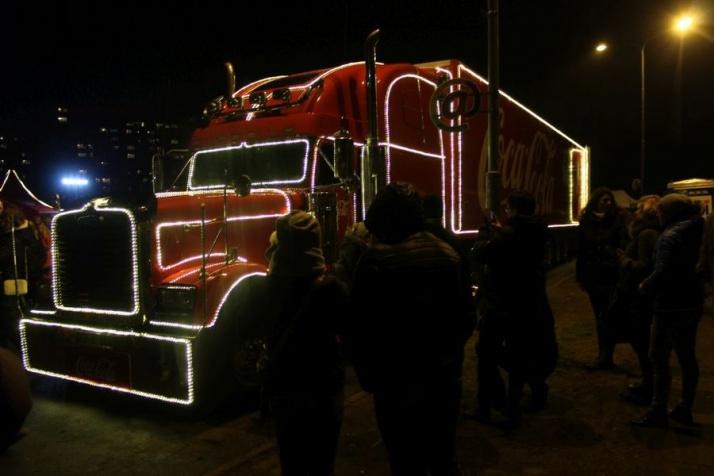 Konin. Świąteczna ciężarówka zaparkowała przed amfiteatrem