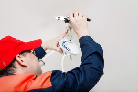 Jakich błędów w wykonaniu instalacji elektrycznej należy się wystrzegać?