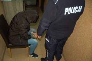 Policjanci z Babiaka będąc po służbie zatrzymali dwóch wandali