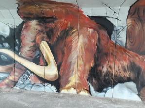 Konin. Mamut, czy słoń leśny? O tym co artyści wymalowali w tunelu