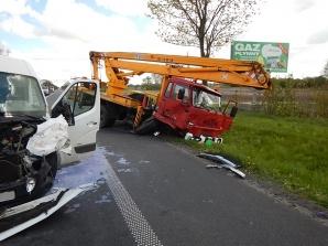 Wypadek w Boguszycach. Bus zderzył się z samochodem ciężarowym