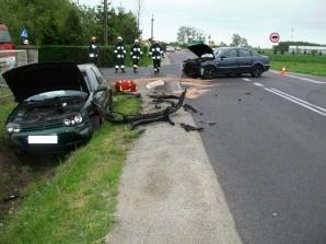 Sługocin. Zderzenie samochodów osobowych na drodze wojewódzkiej