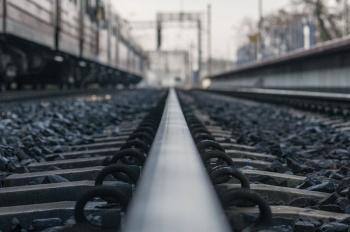 Modernizacja linii E-20 coraz bliżej. PKP zmienia rozkład jazdy