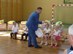Bezpieczne przedszkola i szkoły. WORD przekazał pomoce dydaktyczne