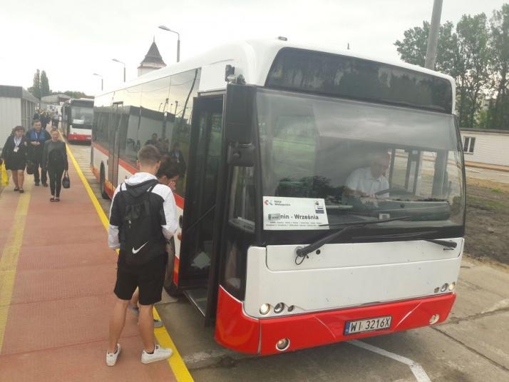 Autobusem zamiast pociągiem. Pasażerowie zdezorientowani