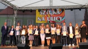 Turek. Burmistrz wręczył stypendia aż 244 najlepszym uczniom