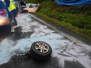 Kościelec. Wypadek na dk 92. Samochód uderzył w barierki