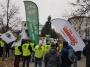 Górnicy w Warszawie. Pracownicy kopalni pikietowali przed Sejmem