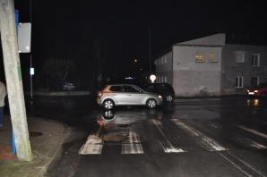 Konin. Groźny wypadek na przejściu. Dwie osoby w szpitalu