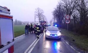 Kolizja dwóch opli w miejscowości Pomarzany Fabryczne. Dwie osoby w szpitalu