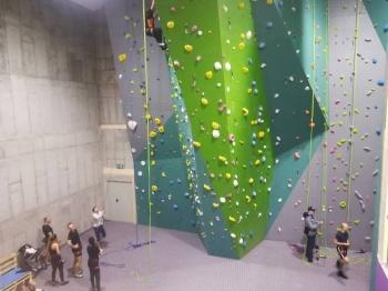 Każdy może wspinać się na ściance. Zajrzyjcie do Wpinki!