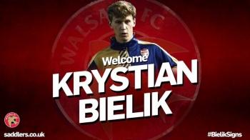Krystian Bielik wypożyczony z Arsenalu. Trafił do trzeciej ligi