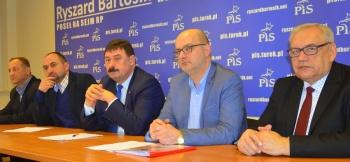 R. Bartosik kontra T. Nowak. Wojna na słowa w komisji etyki