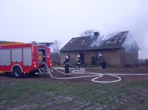 Pożar domu w Jaroszewicach Grodzieckich. Nikomu nic się nie stało