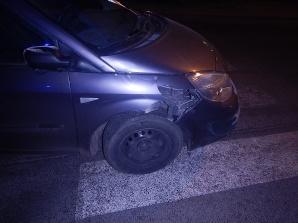 Koło. Motorowerzysta zderzył się z samochodem. Jedna osoba ranna