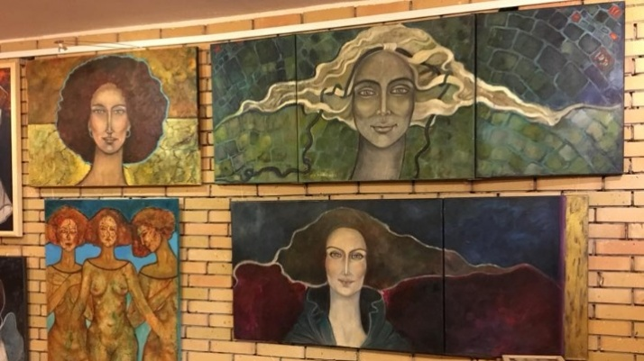 Od marca do marca. Kobiety w obrazach Krystyny Ruminkiewicz