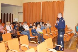 Słupca. Policjant dzielnicowy opracował program dla młodzieży