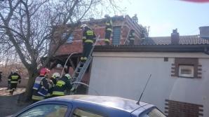 Trąbczyn. Pożar dachu w domu jednorodzinnym. Częściowa rozbiórka