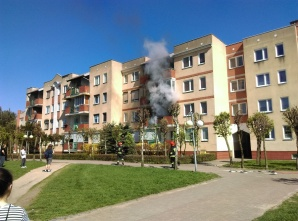 Konin Chorzeń. Pożar na balkonie. Nie przedostał się do mieszkania