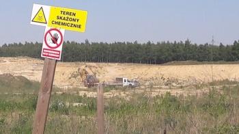 Beczki z chemikaliami znikają z Przyjmy. Gminę odwiedziło ABW